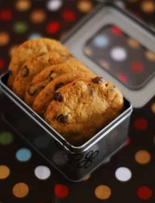 Eggless choco chip cookies 2